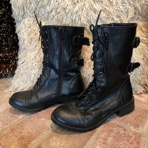 Black Buckle Combat Grunge Lace Up Mid Cal…